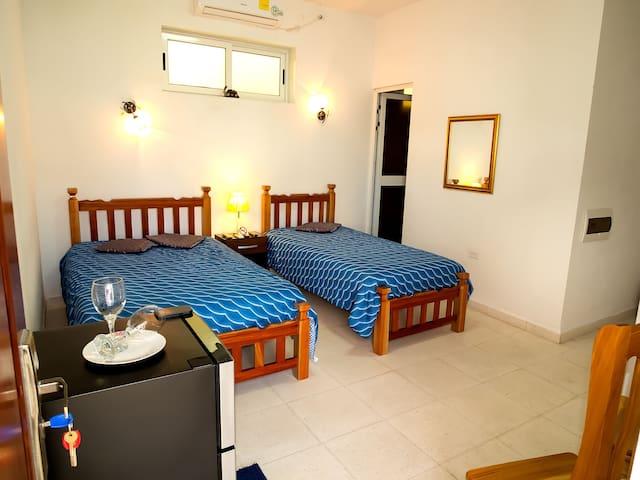 Villa Blanca Room 1 (Cienfuegos)