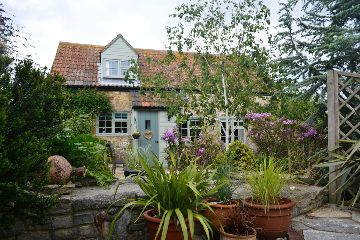 CHIDDY NOOK   A beautiful 16th century self catering  cottage in West Dorset