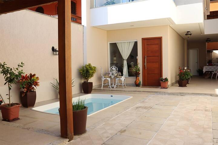 Casa na Praia do Morro com 3 suítes!