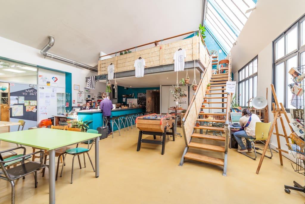 alter hostel auberges de jeunesse louer lyon auvergne rh ne alpes france. Black Bedroom Furniture Sets. Home Design Ideas