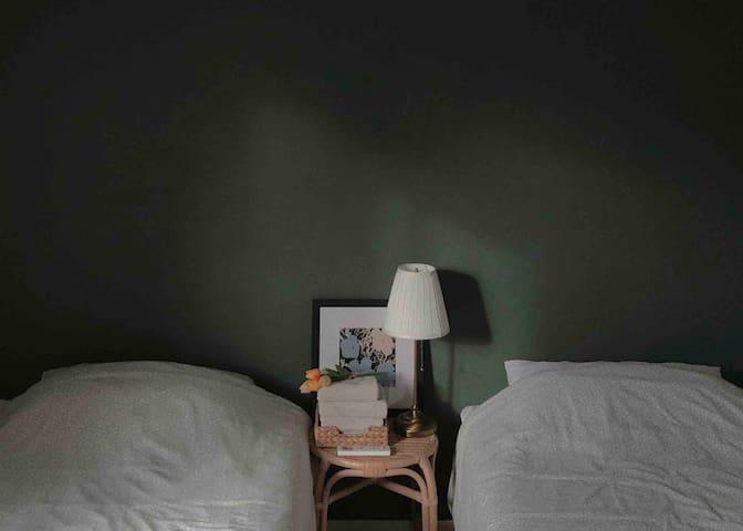 하버하우스 웨스트 Piano room (2인실 Twin bed)