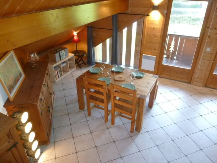 Apartment close to the cable car Grand Massif