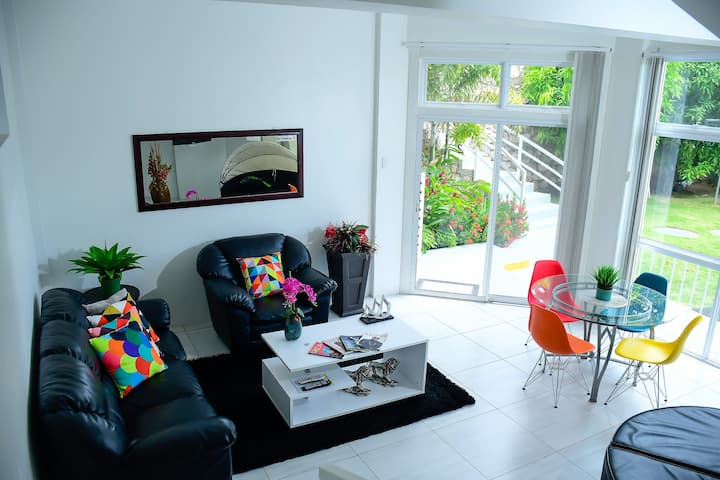 Charming Kgn Apt w City View, 5 mins fr CityCenter