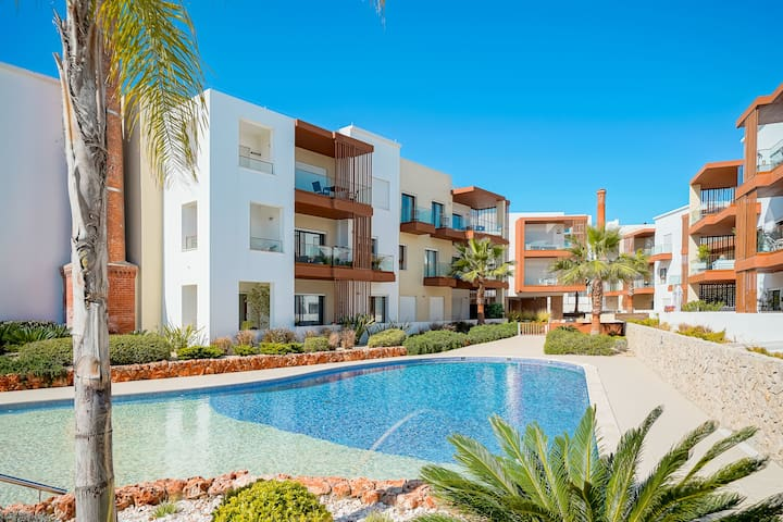 Apartment | Riverside | Pool | Close to Portimao