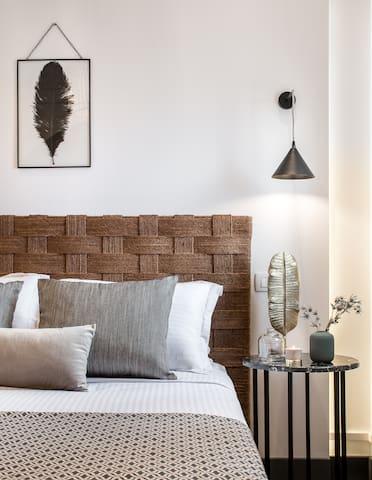 Elegant Suite with Hot Tub