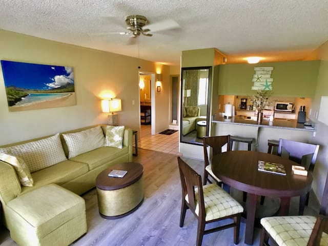 Steps from Ocean☆Updated 1 Bdr with NO RESORT FEES