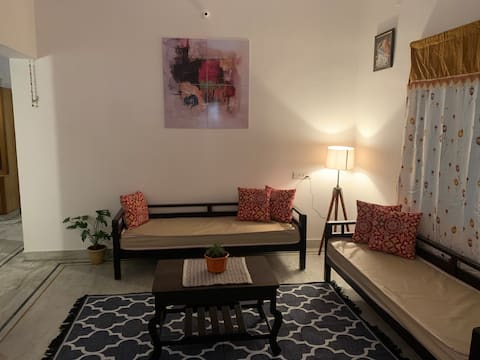 Sunshine Retreat - Ekansh Residence (2 Bedrooms)