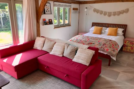 Cozy self contained annex near Cannock chase