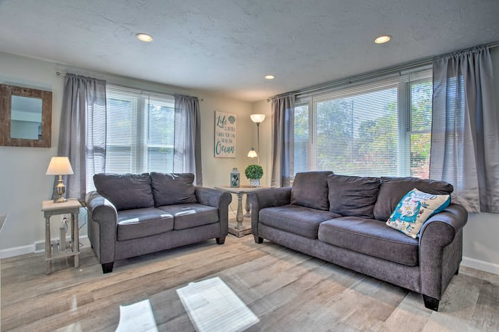 NEW! Updated Plymouth Home, 1.5 Mi. to Waterfront!