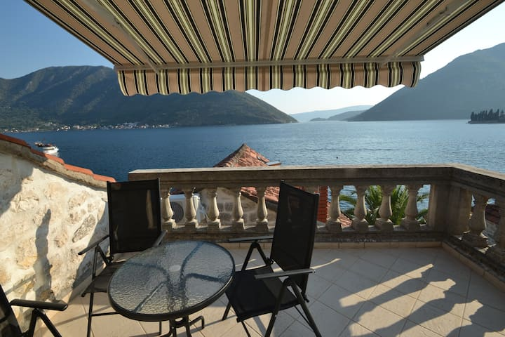 Renovated Old Stone House - Perast - Perast - Huoneisto