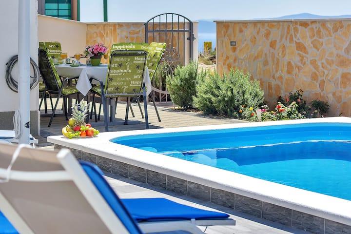 Villa W/ View/Private Pool/Free Parking id: nadea