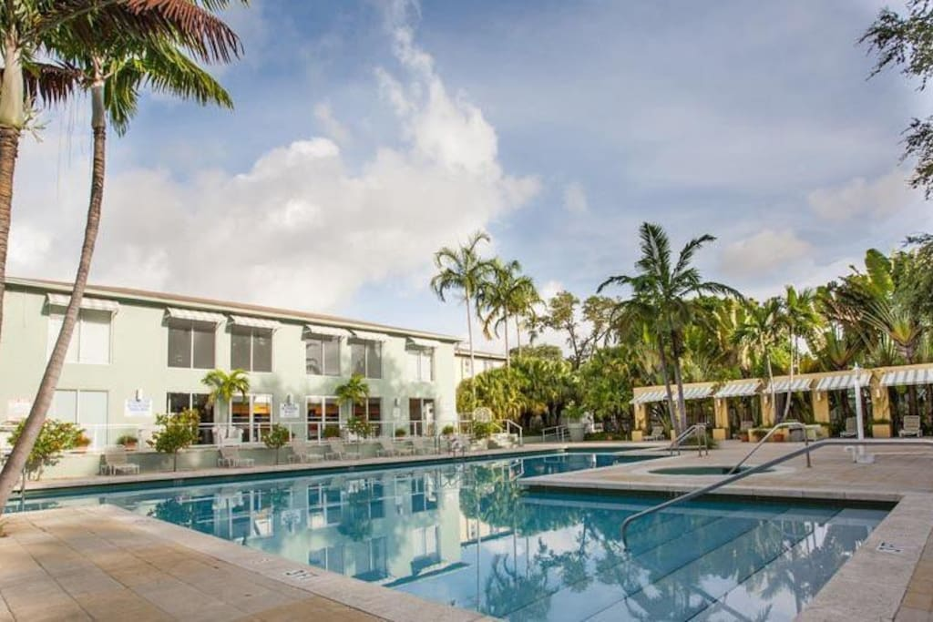 Midtown 2 Bedroom Apartment Pool Parking Apartments For Rent In Miami Florida United States