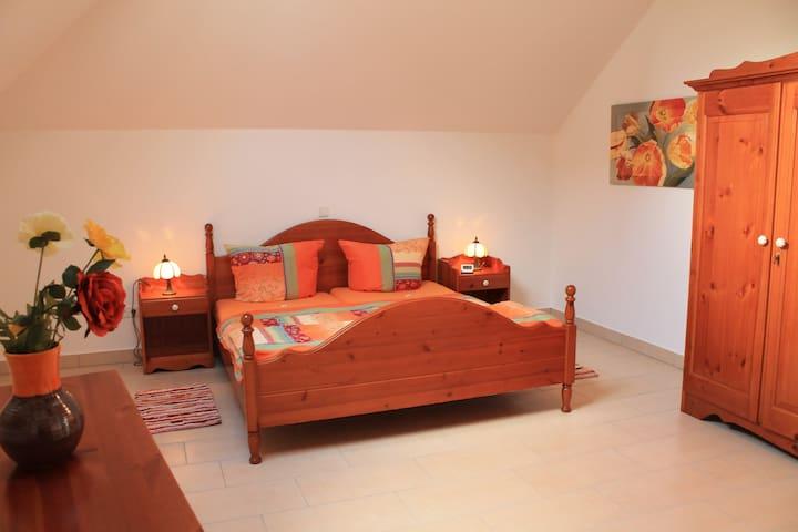 2.Schlafzimmer mit Fernsehmöglichkeit