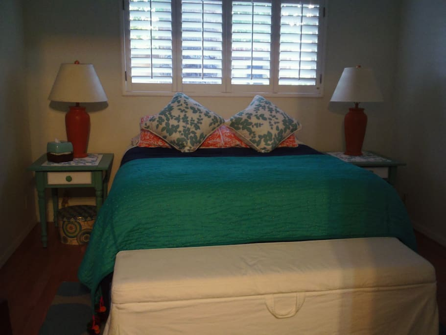 Queen bed and 2 daybeds sleep up to 4. All bedding included.