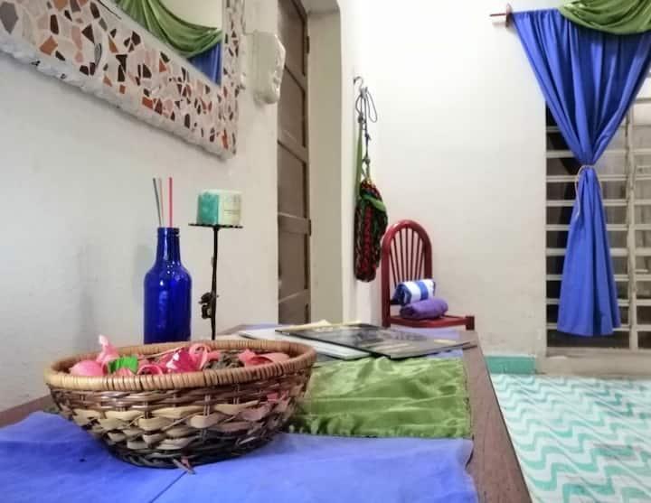 CafeHostal Cuarto Privado Sultan-a/c, baño, Centro
