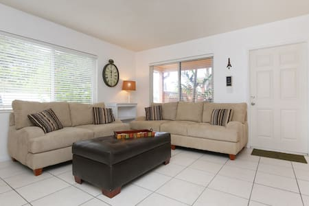 Lg 1B/1B near Beach and Downtown #1 - Lauderdale-by-the-Sea
