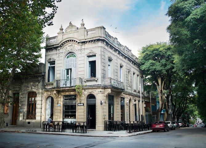 Dormitorio 6 Camas Club and Bar Hostel c Desayuno
