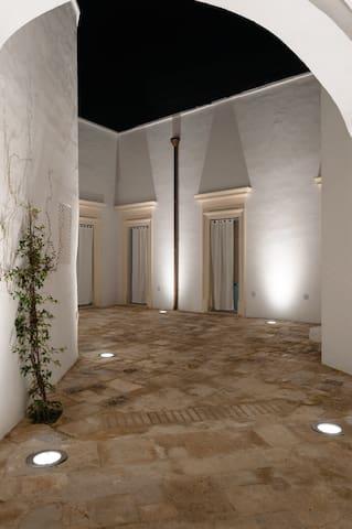 FENISIA guest house XVIII secolo (intera casa) - Campi Salentina - House