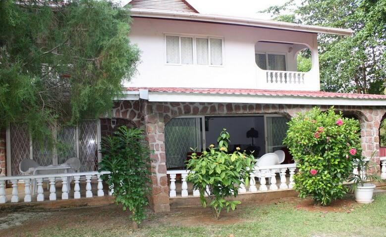 Casa Muriel Cote d'Or Praslin