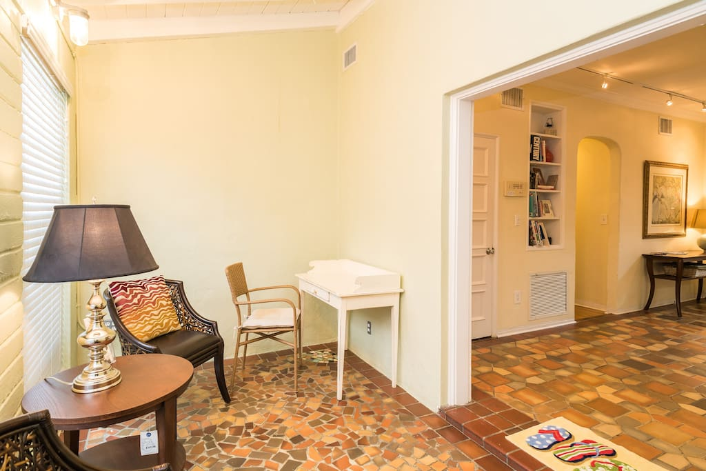 2 Bedroom Apartment On Espanola Way Apartments For Rent In Miami Beach