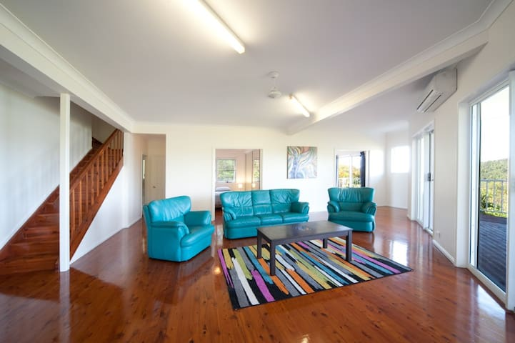 PASSAGE AVENUE sleeps 20! - Shute Harbour - Talo