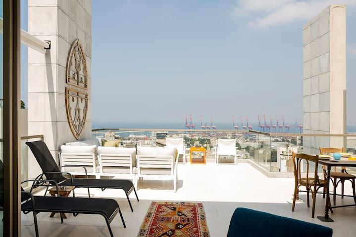 Unique Penthouse l View l Terrace l Mar Mikhael