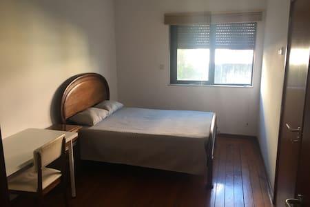 2 - Cherry Room