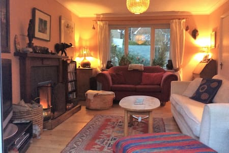 Whole House, Cheltenham, Race Week - sleeps 7