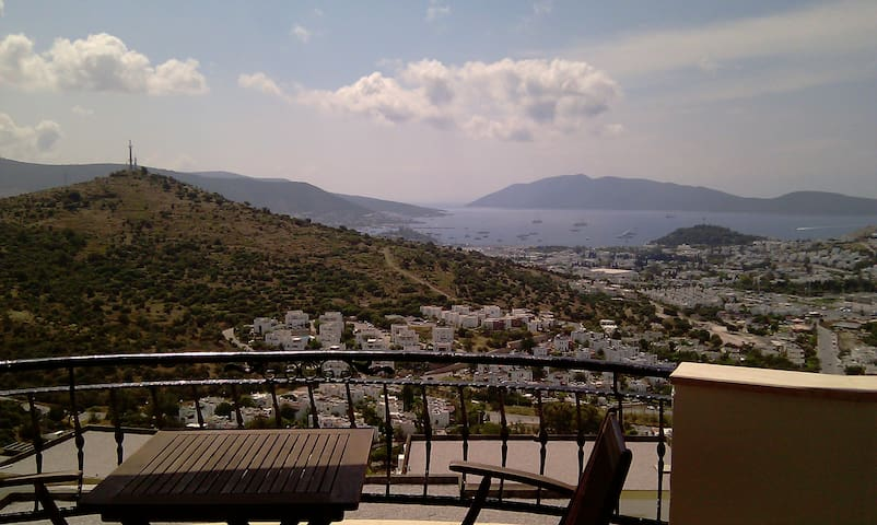 3BR Central w Amazing Bodrum View - Bodrum - Hus