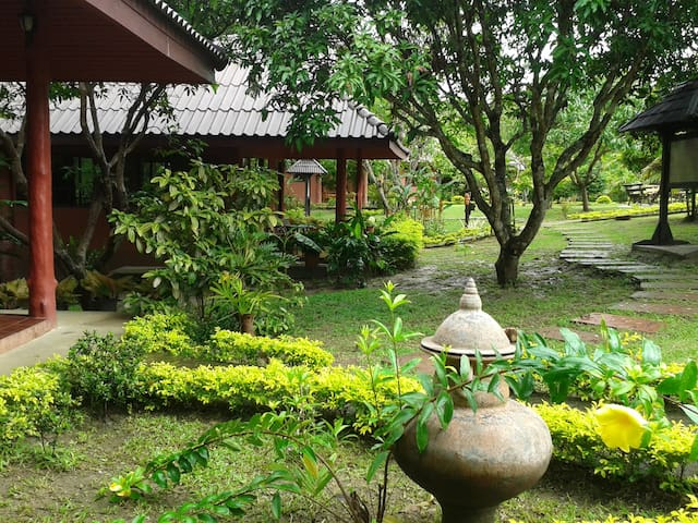 Banrai Eco Lodge - stay in nature - Mae Rim, - Bed & Breakfast