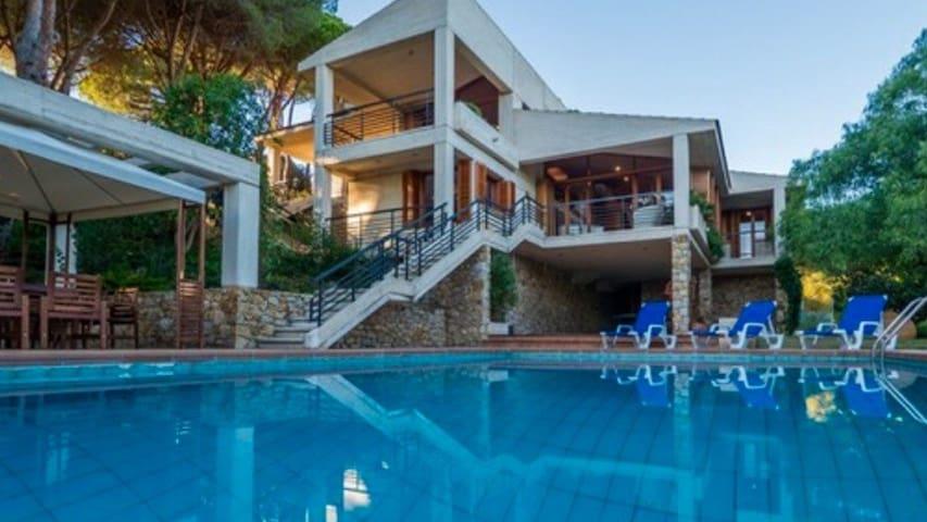 Magnífica villa para 10 en Llavaneres - Sant Andreu de Llavaneres - House