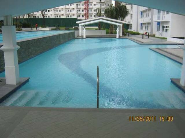 Fully Furnished Condo QC for Rent - Quezon City - Lägenhet