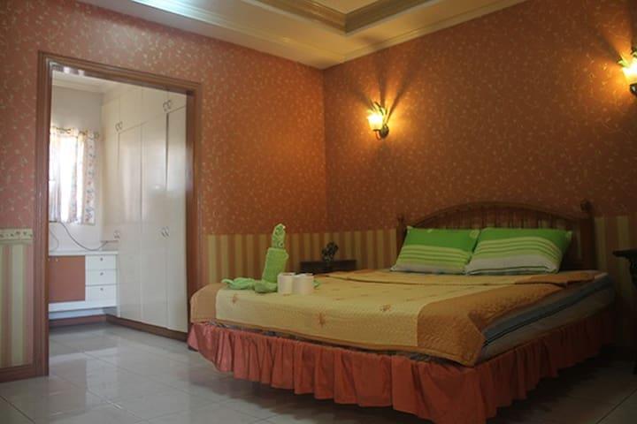 Spacious Two Bedroom Condo - Mandaue City - Apartment