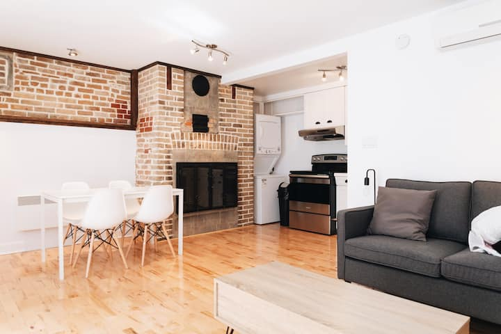 Best Location Uptown Soho Style *Monthly/Yearly/a