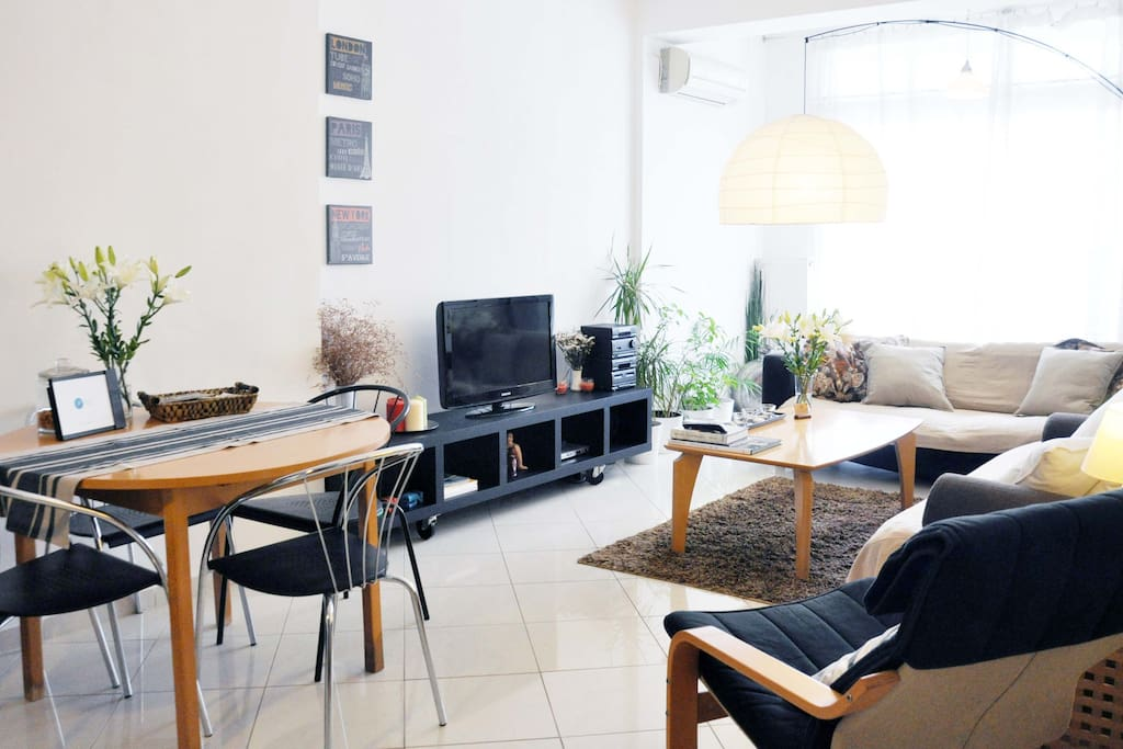 fully equipped apartment with tv and a/c