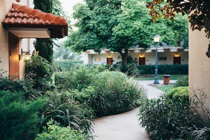 מלון פסטורל - כפר בלום