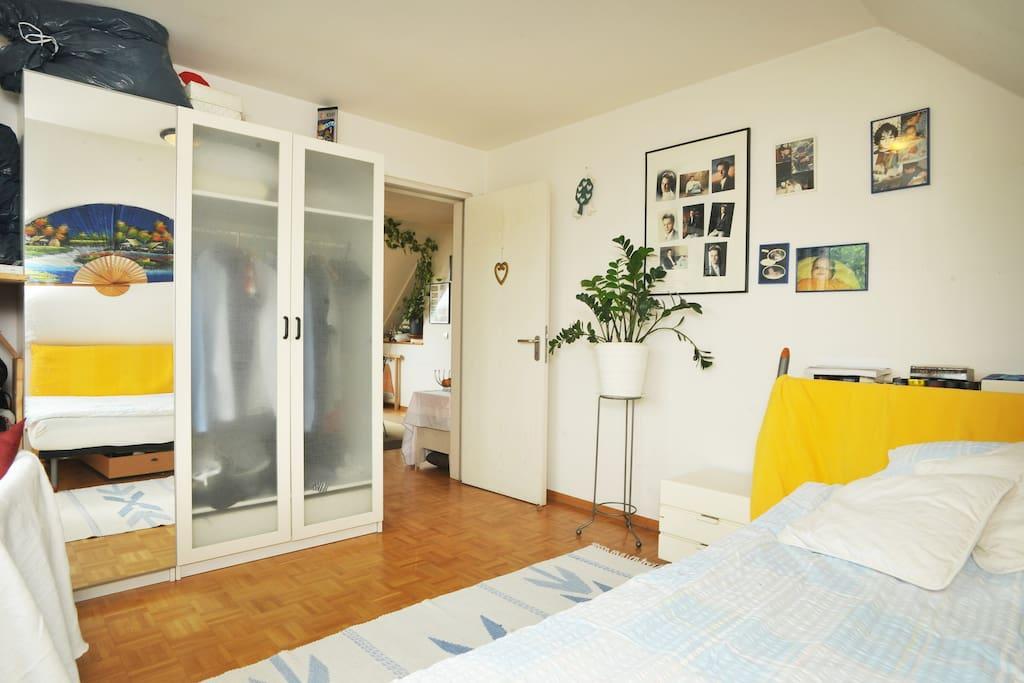 raum 1 privat modern ruhig sonnig wohnungen zur miete in stuttgart baden w rttemberg. Black Bedroom Furniture Sets. Home Design Ideas