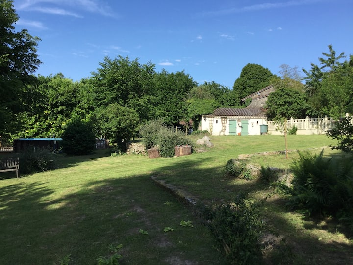 Rural Holiday Gite  with Pool and Fishing  Lake