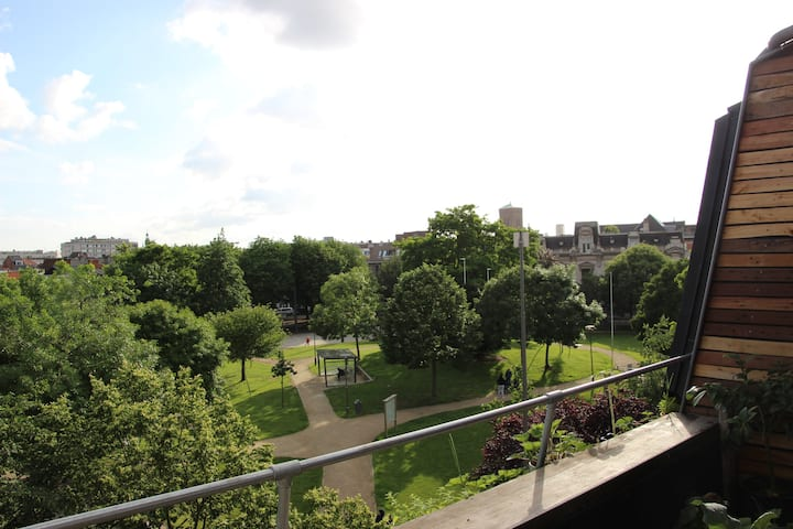Location with a view & South terrace