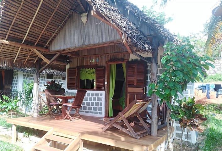 Bungalow IRANJA à Ilo Village