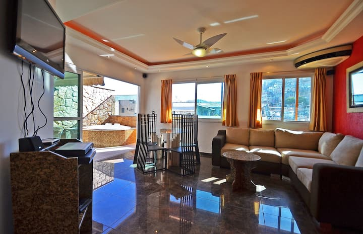 Nice penthouse with pool, close to the beach!