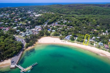 Beach house on Hordern's Beach - Bundeena