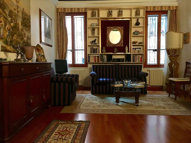 Central apartment close to La Fenice Theatre