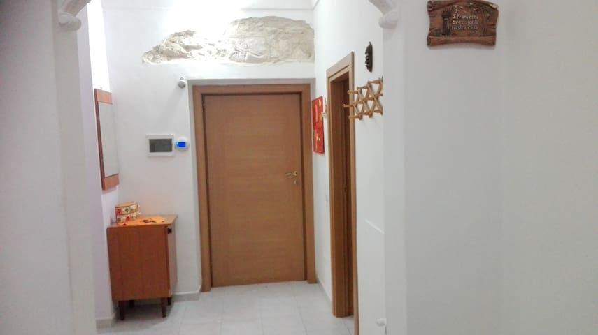Alloggio accogliente centro città - Ortona - Apartamento