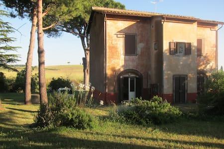 casa di campagna nella Tuscia,(VT) - Tuscania