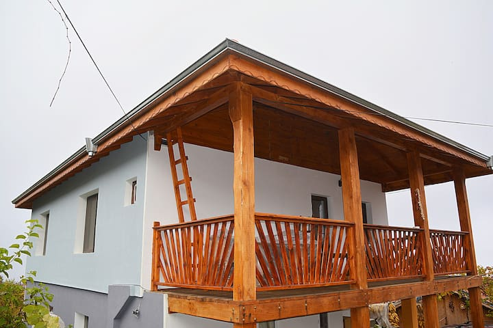 "Guest House in the foot of mountain ""Belasitsa"""
