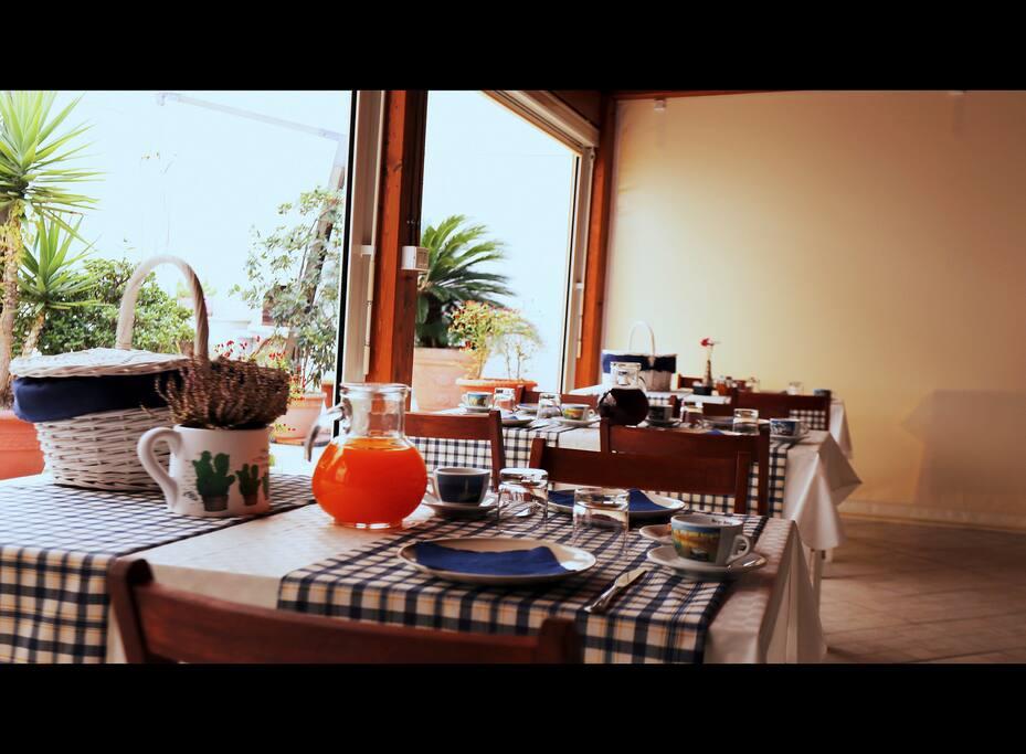 Sala allestita per la colazione, dove vi vizieremo con le nostre leccornie