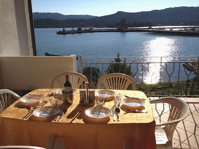 A terrace on the sea - Cannigione - Apartmen