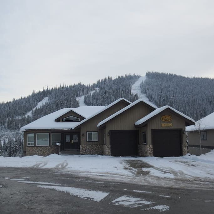 ski in ski out vacation chalet chalets for rent in sun peaks columbia canada
