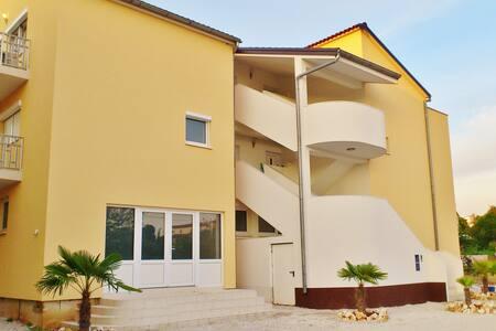 Ferienwohnung Villa Maja 5 - Byt